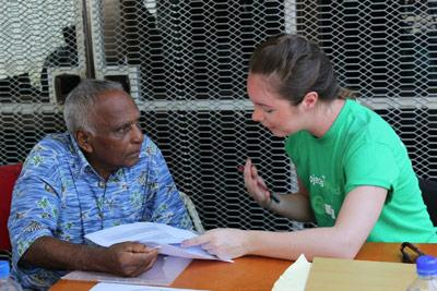 Projects Abroad Medicine volunteers take part in a medical outreach nutrition programme in Fiji